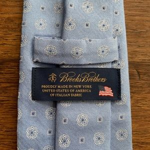 Brooks Brothers Jacquard Silk Blue Patriotic Tie